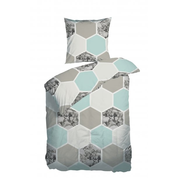 Sengetøj Hexagon aqua satin 140x220 + pudebetræk 63x60 fra Night & Day
